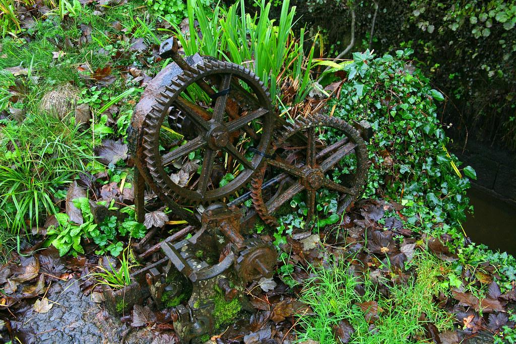 'Old lock' cog wheels