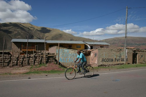 Lovely cycling between Sicuani and Cusco.