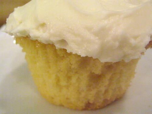 12-04 vanilla cupcake