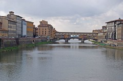 A view of Ponte Vecchio (Monica Arellano-Ongpin) Tags: bridge puente florence ponte florencia pont firenze arno pontevecchio