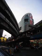 Bangkok 08 - Ratchadamri Road (4)
