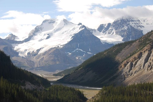 towards Columbia icefield
