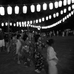 友達と踊る...夏休みの思い出