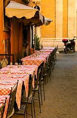 There's a bike (victoria0805) Tags: italy rome restaurant tables picturesque supershot nikond40