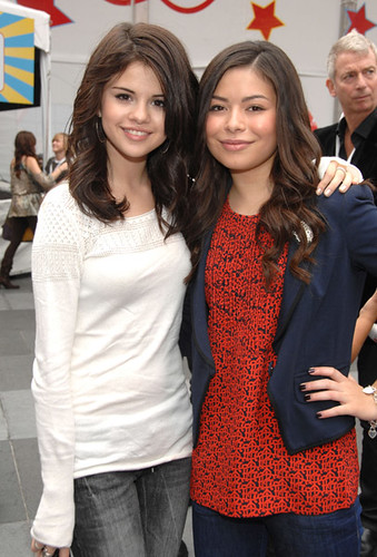 pictures of selena gomez sister. Selena Gomez and Miranda