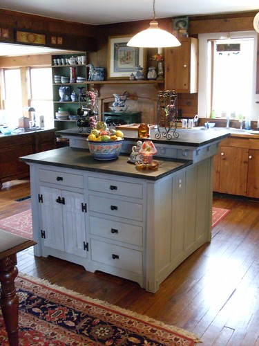 PROPERTY: Cheap Kitchen Islands