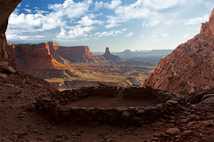 The Tribal Council - False Kiva (Stephen Oachs (ApertureAcademy.com)) Tags: indian pueblo ruin canyonlandsnationalpark canyonlands kiva platinumphoto falsekiva nov2008 stephenoachs stephenoachscom