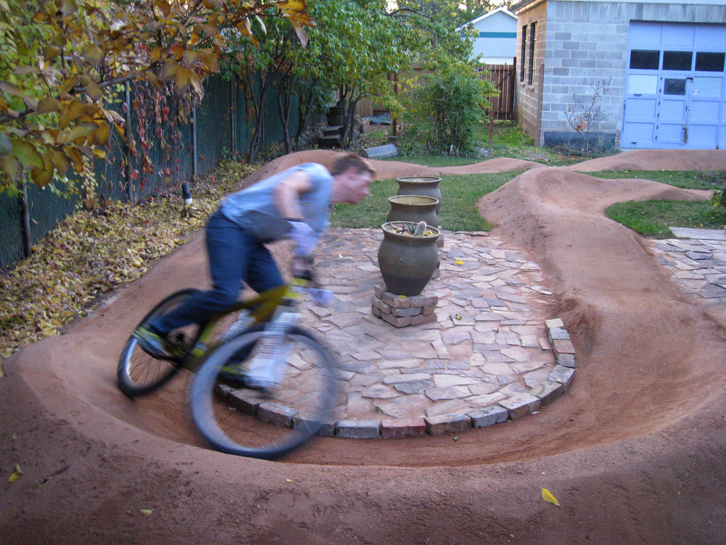Backyard Pumptrack pump track in backyard? | nobmob