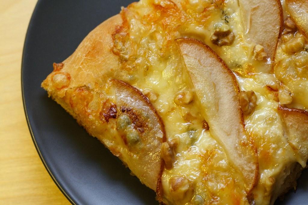 ... grape and gorgonzola pizza recipe on food52 gorgonzola and grape pizza
