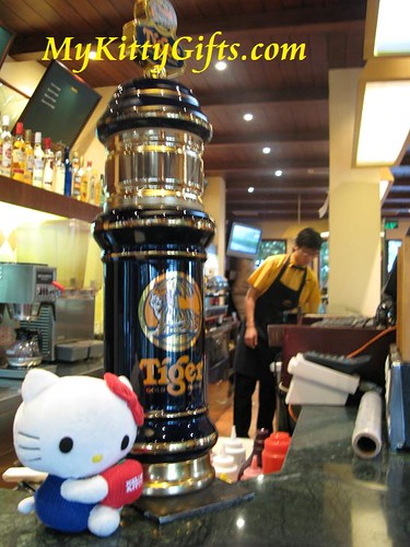 Hello Kitty with Tiger Beer Bottle at Jamaica Coffee Shop of Xi Hu Tian Di, HangZhou