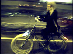 A Sense of Cycle Motion (Mikael Colville-Andersen) Tags: bike bicycle night girlsonbikes wifealiciousness copenhagencyclechic