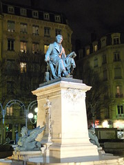 Statue d'Andr-Marie Ampre (1775-1836). Lyon, 11 dcembre 2008. (Guillaume Cingal) Tags: statue december lyon statues rhne scientist dcembre physicist scientifique ampre hommesclbres physicien