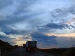 Atardecer Carretera 57 - SLP México 2008 8155 (Lucy Nieto) Tags: road sunset méxico way mexico atardecer camino carretera sanluispotosí sanluispotos