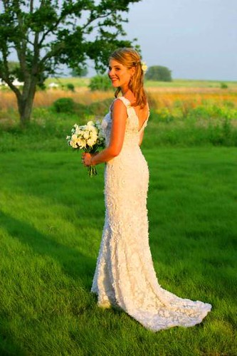 Simple wedding dress design suitable for beach wedding party Sponsored