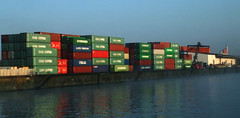 Nuremberg (Nrnburg}: Containers to be Loaded (bill barber) Tags: industry germany deutschland bavaria canal bill dock main nuremberg william franconia unesco container elements transportation barber alemania shipping tyskland allemagne soe bundesrepublik germania alemanha duitsland deutsche photoshopelements pegnitz lallemagne nrnburg rhinemaindanube frankonia steigerwald doitsu niemcy njemaka saksa nmetorszg njemacka  nemecko impressedbeauty diamondclassphotographer ysplix germnia