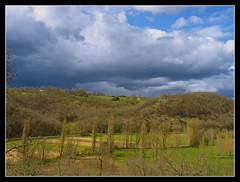 Paysage Lotois (lo46) Tags: blue sky france green clouds rural landscape view lot ciel nuages paysage campagne midipyrnes unature diamondclassphotographer flickdiamond francelandscapes incrediblenature departementdulot