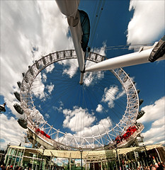London eye (Katarina 2353) Tags: city uk blue light england sky people building london film architecture clouds photography nikon europe flickr view image unitedkingdom pics londoneye cielo nubes katarina attractions stefanovic 2353 katarinastefanovic katarina2353 famousbuildingsoftheworld gettylicence