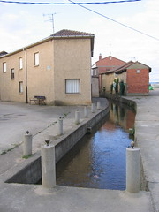 "Villares de Orbigo Waterway • <a style=""font-size:0.8em;"" href=""http://www.flickr.com/photos/48277923@N00/2623069630/"" target=""_blank"">View on Flickr</a>"