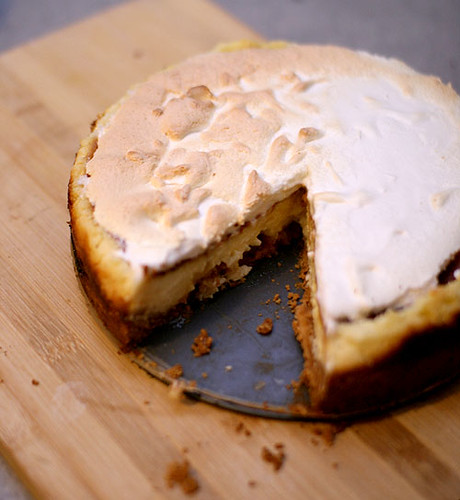 this lemon meringue cheesecakes tastes better than it looks..