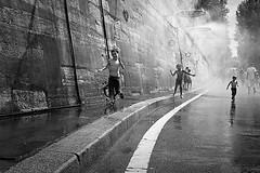 Summer in Paris (Auré from Paris) Tags: summer sky game paris france hot wet water fountain kids blackwhite eau raw noiretblanc fresh été fontaine parc soe watersport flotte refresh themoulinrouge firstquality auré jetsdeau visiongroup sigmadp1 multimegashot vision100