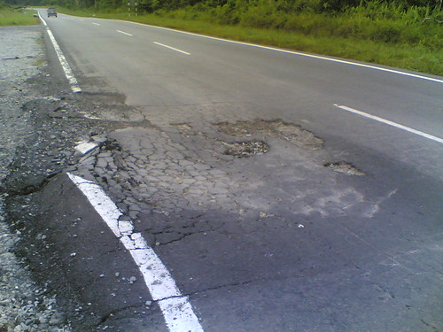 Sarikei-Sibu Road-Pothole 1
