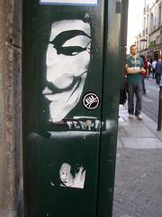 V de Vendetta, Paris (ideacat) Tags: street city urban streetart paris france art graffiti stencil frana v 2008 paret vendetta ideacat