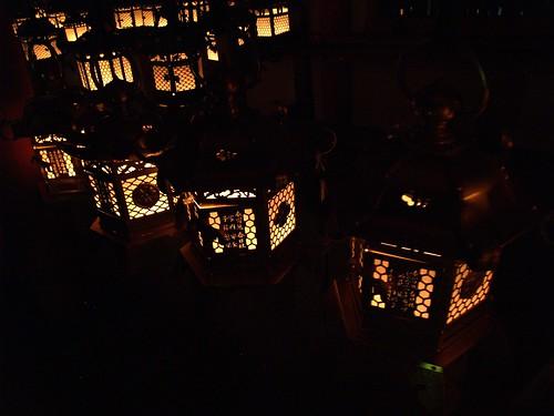 Linternas encendidas en Kasugataisha