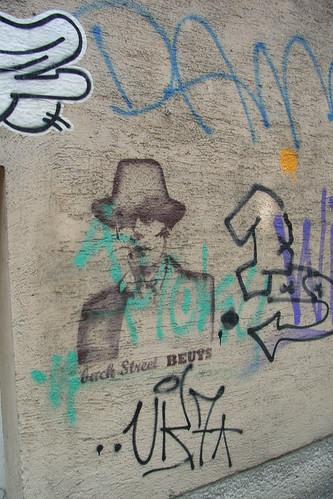 streetart im siebten 11.JPG