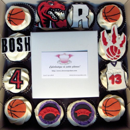 Toronto Raptors Cupcakes - YAY! - flickr/clevercupcakes