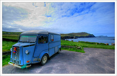 Clogher Citroen (Janek Kloss) Tags: ocean old ireland beach car foto shot image photos citroen dingle hans tourist irland eire kerry fotka fotografia peninsula 2008 attraction zdjecia irlanda kloss ierland janek clogher j23 zdjecie fotki irlandia seson   hwdp golddragon mywinners abigfave lirlande fotosy   moli516 xeu605k