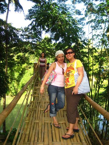 Lib, Anna and Marj at the Hanging Bridge