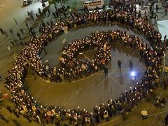 CLICK AMPLIAR - 2/10/2008 - Santiago - Chile - Simbolo Humano de la No Violencia