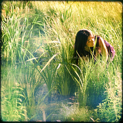 Take Your Time (Sachie Nagasawa - somewhair) Tags: lake selfportrait green texture nature glass self square nikon autoportrait lac sachie nagasawa 30fav d80 somewhair hantenshi