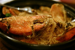 ban pho with steamed crabs (Farl) Tags: travel food colors rice vietnam shellfish noodles crabs saigon hochiminh vermicelli ricenoodles steamedcrabs banpho nhananghoanglong dragoncourtchineserestaurant