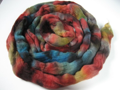 Multi-color domestic wool roving