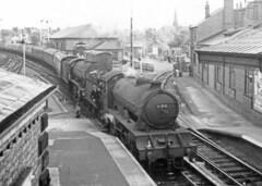 Class D49 62750 'The Pytchley' + Class K3 61899. Bridlington. July  1953 (ricsrailpics) Tags: uk bw steam bridlington 1953 exlner classesd49k3 uksteampool