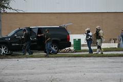 El Pit Security (beejst) Tags: orlando florida military guns combat airsoft gunfire canoneos30d