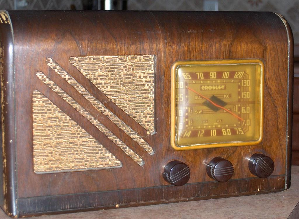 Crosley Model 2840 Tube Radio