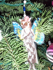 lemur lady ornament