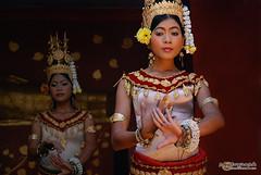 Apsara (honzap) Tags: travel girls vacation people holiday travelling girl beautiful dance costume nikon asia cambodia khmer dancers traditional flash sb600 bounce apsara strobe kampuchea d80