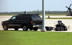 U.S. Secret Service Presidential Support Vehicle - White House Communication Agency Sat Comms (AV8PIX Christopher Ebdon) Tags: airforceone boeing blackhawk 747 757 pag secretservice potus seaking sikorsky c32 airforce1 vh3d marineone presidentialmotorcade vc25a hmx1 sam29000 usss vh60n sam28000 89thairliftwing presidentialairliftgroup sikorskych53eseastallion