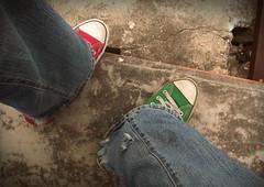 Lukin Daun (Captain Whirlpool) Tags: life from above red green look giant death weird grande big crazy amazing sad looking bajo birth ground muerte triste final converse combine depression end below fin mirada infinito infinite combination eternal suelo enormous mirando abajo eterno combinar