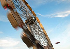 ~ spinning ~ (Janey Kay) Tags: autumn sky paris france home clouds speed automne frankreich october boulogne herbst himmel cu ufo ciel cielo stadt bp nuages nuvem bigwheel 2009 nube ville parigi vitesse boisdeboulogne chezmoi 75016 francja iloveparis wolden nikkor18200mmvr paryz 92100 nikkor18200mmf3556vr janeykay parisiledefrance baladesparisiennes