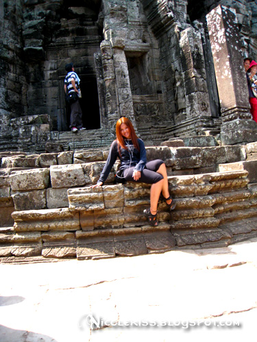 pose at bayon 2