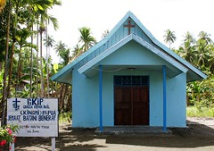 Beneraf (Mangiwau) Tags: new people black west church indonesia guinea village haus papua lain manis barat hitam niew irja ples gereja masyarakat gki niugini melanesians sarmi irian lotu papouasie beneraf villlagers kingmi gkip
