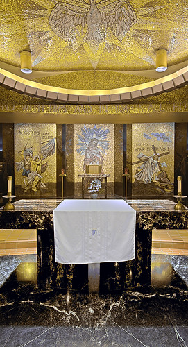 Christ the King Chapel, Shrine of Our Lady of the Snows, in Belleville, Illinois, USA - altar