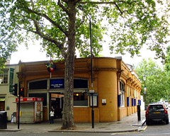 Picture of Holland Park Station