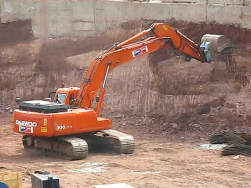 Daewoo 300 LC-V in Action