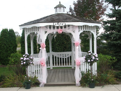 gazebo wedding decorations