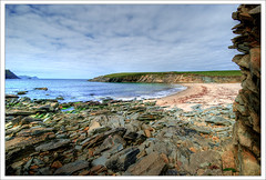 Clogher Beach (Janek Kloss) Tags: ocean ireland point foto shot image photos head dingle hans tourist irland eire kerry fotka sybil fotografia peninsula 2008 attraction zdjecia irlanda kloss ierland janek clogher j23 zdjecie fotki irlandia seson   hwdp lirlande fotosy   moli516